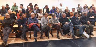 Asistentes a la asamblea de presupuestos de Podemos Xixón