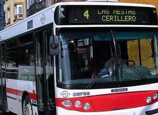 Un autobús de la línea 4 de Emtusa