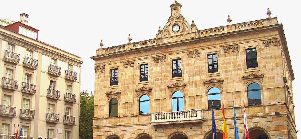 Fachada del Ayuntamiento de Xixón
