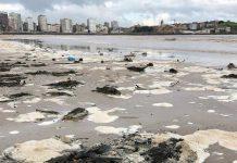 Espuma en la playa de San Lorenzo