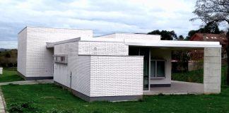 Edificio de la asociación vecinal de Nuevo Roces