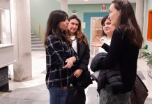 Laura Tuero y las representanes de las AMPAS