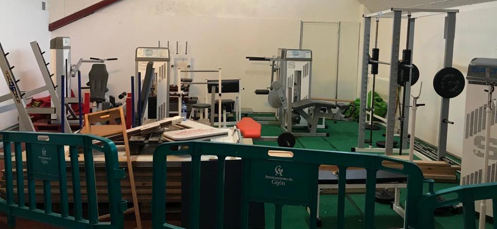 Máquinas hacinadas en Las Mestas