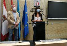 Aurelio Martín y Laura Tuero, en la rueda de prensa de la ordenanza de Movilidad
