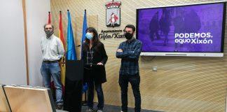 Laura Tuero, con Rufino Fernández y Juan Chaves, en rueda de prensa