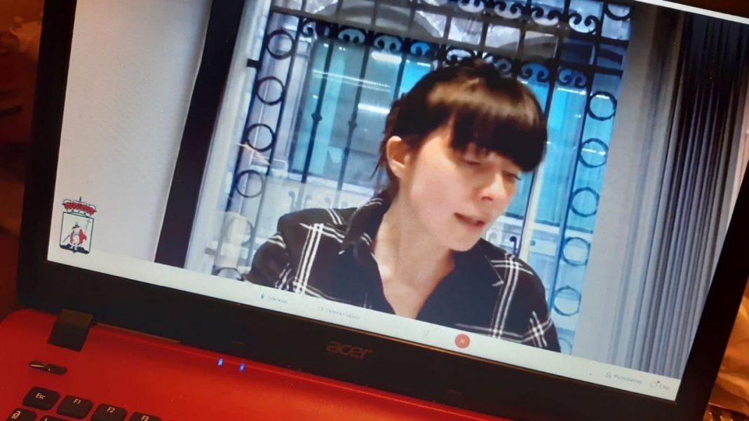 Laura Tuero durante la segunda sesión del debate del estado del Municipio